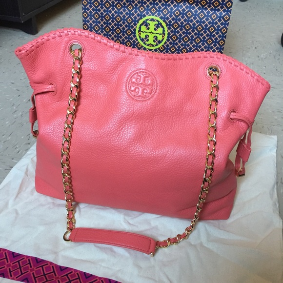 75d3534ee491 Tory Burch Marion Pink Chain Strap Slouchy Tote.  M 5a44045d45b30c849309f984. Other Bags you may like